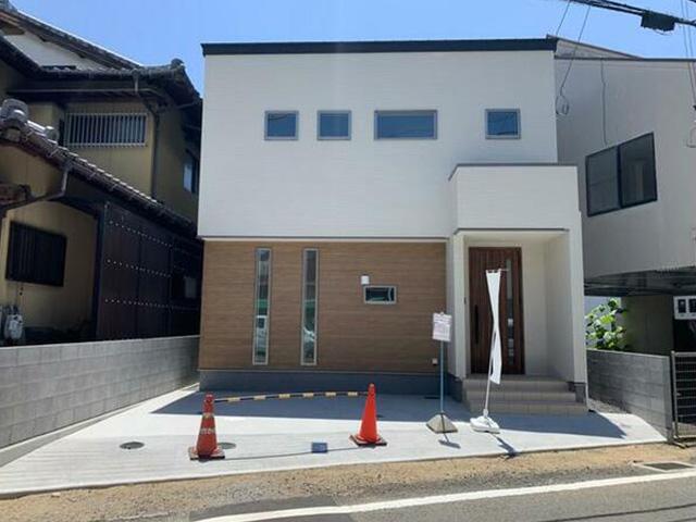 物件画像:松山市 拓川町 (いよ立花駅) 2階建 3SLDK
